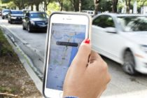 Conductores de Uber y Lyft en Miami exigen aumento en el costo de sus servicios