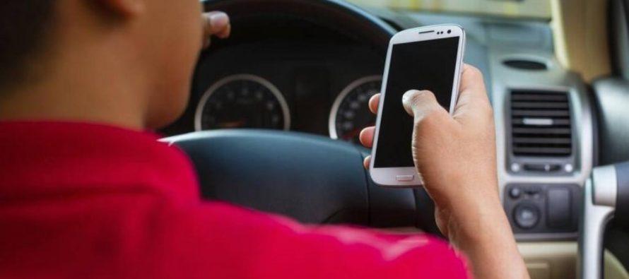 Conductores que envíen mensajes de texto en Florida podrían ser penados