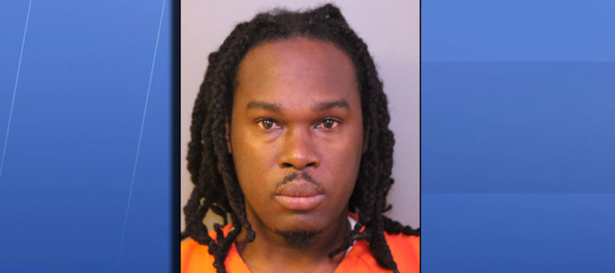 Padre acusado de triple asesinato se confesó por Facebook y se entregó en Florida