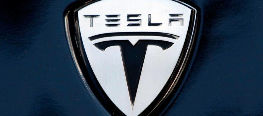 Muere conductor de Tesla en accidente cuando el vehículo estalló en llamas en Fort Lauderdale