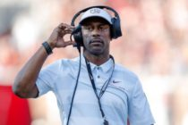 Universidad Estatal de Florida despidió al entrenador Willie Taggart tras su derrota con la UM