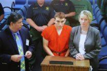 Autor de tiroteo de Parkland acusado de atacar a guardias de la cárcel