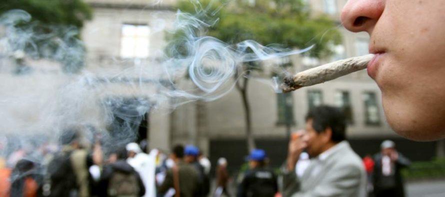 Admitió en Inmigración que alguna vez fumó marihuana y lo expulsaron de EEUU
