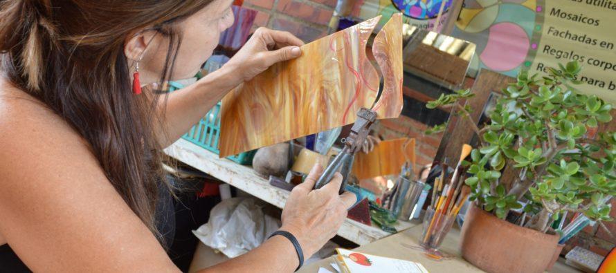 """Artista Plástico trae a Miami el Primer Diplomado del """"Arte del Vidrio"""""""