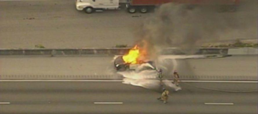 Incendio de automóviles retrasa el tráfico hacia el norte por la I-95