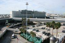 Robots limpian pisos del Aeropuerto Internacional de Miami