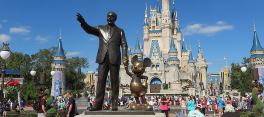 Disney propone salario mínimo de $ 15 para sus empleados