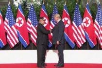Histórico apretón de manos entre Trump y Kim Jong-un en Singapur