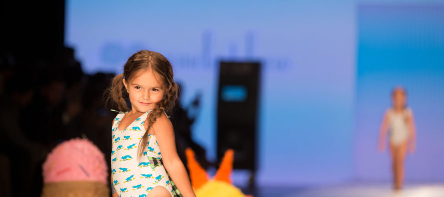 Los niños llevaron el mensaje de inclusión al Miami Fashion Week