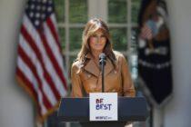 Vestimenta de Melania Trump para visitar la frontera con México causó polémica
