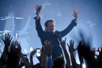 El emotivo homenaje de «U2» a Anthony Bourdain en Nueva York