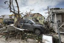 Congresistas demócratas piden que se indague si Florida pagó sobrecostos por recoger escombros tras Irma