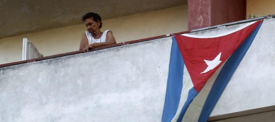 Matrimonio cubano residente en EEUU detenido por llevar medicamentos a familiares en la isla