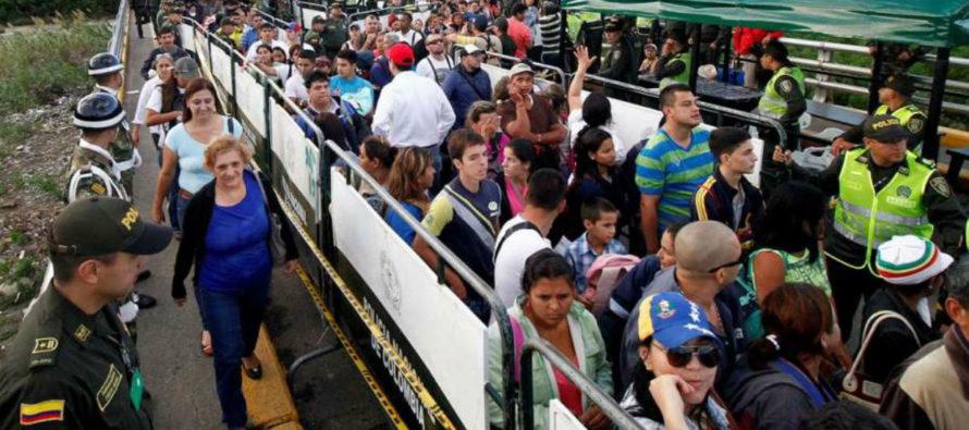 Exiliados rechazan imposición del «carnet de la patria» a los venezolanos