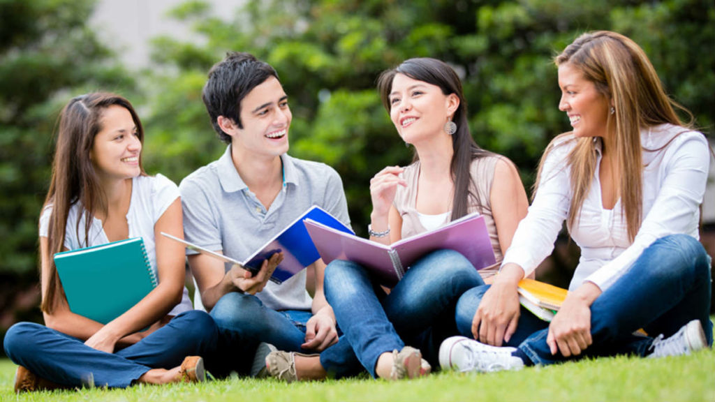Jovenes estudiantes