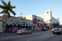 Vecinos de La Pequeña Habana denuncian el mal estado del edificio que habitan