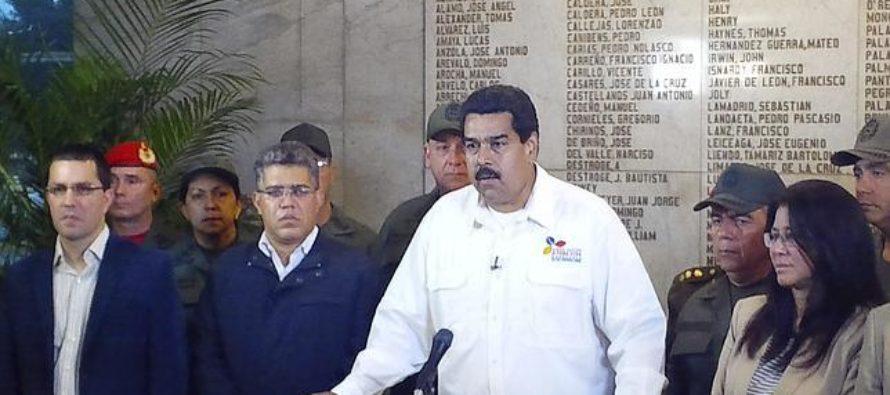 ¿Ocultó Maduro muerte de Chávez para quedarse en el poder?