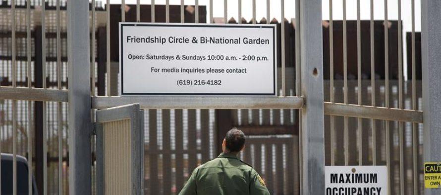 Suben las detenciones de familias en la frontera de EE.UU.