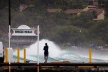 Huracán Lane se degrada a categoría 3 mientras se aproxima a Hawái