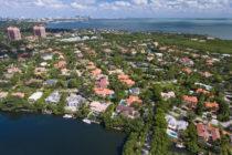 Congelan lujosas propiedades a testaferro de hijastros de Maduro en Miami