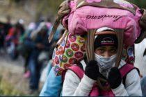 Venezolanos permanecen varados este sábado en la frontera de Ecuador