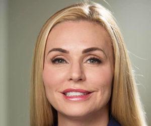 Candidata republicana de Florida se disculpa por tener un título universitario falso