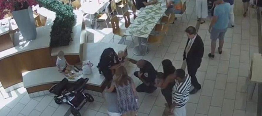 Policía de Florida salva a bebé que se atragantó con pollo (Video)