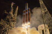 """La sonda Parker de la NASA despega en una histórica misión que la llevará a """"tocar"""" el Sol"""