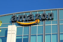 Rick Scott alienta a Amazon a mudarse a Florida