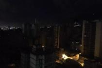 Cerca del Palacio de Miraflores se quedaron sin luz