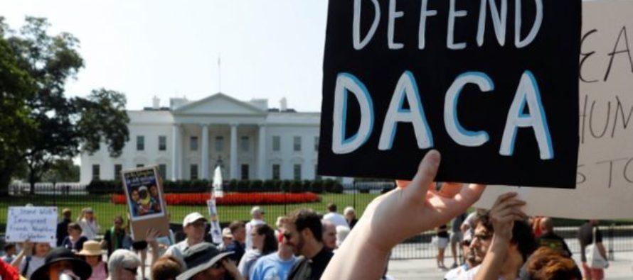 Fiscal de EE.UU. advirtió sobre intención de Trump de terminar con DACA