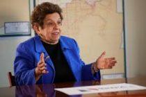 Donna Shalala insta a proteger a los inmigrantes que solicitan asilo en la frontera sur