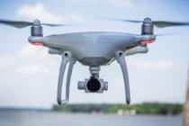 Drones con inteligencia artificial ayudan a limpiar la basura de los océanos
