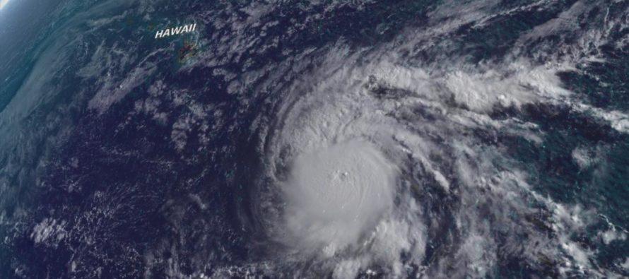 Huracán Lane continúa su camino hacia Hawái y se fortalece a categoría 5