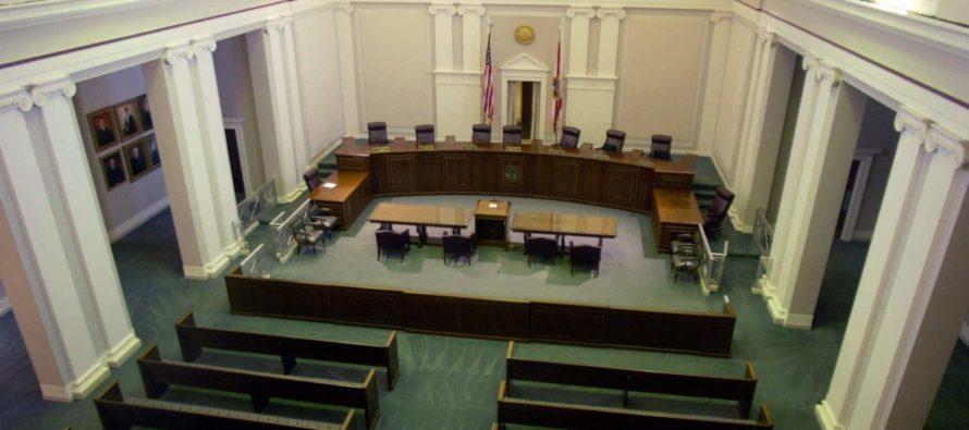 Corte Suprema de Florida decidirá si ciudades pueden establecer salario mínimo