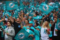 Dolphins recibió demanda de un fanático por actos racistas en Hard Rock Stadium