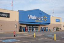 Autoridades de Lituania solicitaron a Walmart dejar de vender ropa con los símbolos soviéticos