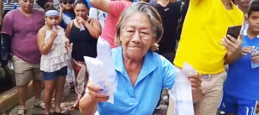 Nicaragua: arrestan a anciana por manifestar y ayudar a opositores
