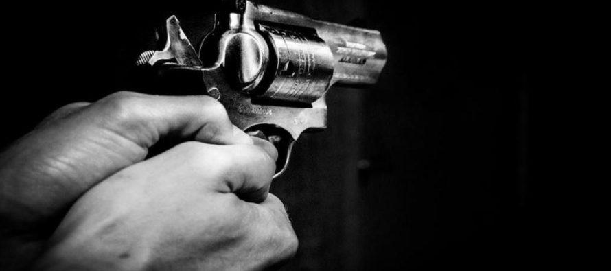 Robaron una camioneta en gasolinera de Miami y el dueño intercambió disparos con ladrones