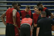 Erik Spoelstra busca mantener el enfoque esta temporada con el Miami Heat