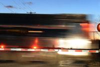 Conductor ignora señal de PARE y choca contra tren en Nassau