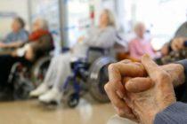 Hogares para ancianos deben implementar sistemas de respaldo de emergencia para sobrellevar la ola de calor