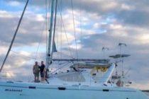Una pareja se robó un barco para pasar la luna de miel