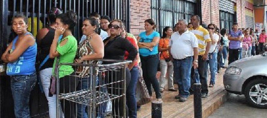 Venezolanos pagaron en agosto alimentos 200.000% más caros que en el mismo mes del año anterior