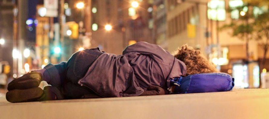 Anulan propuesta para crear espacio al aire libre donde las personas sin hogar puedan dormir