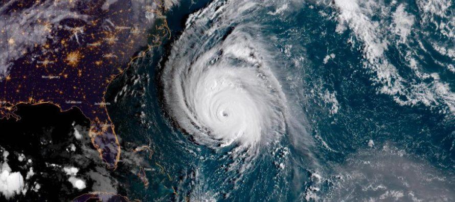 Florence bajó a categoría 2 y sigue su rumbo a las Carolinas