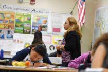 Departamento de Educación de Florida fue demandado por reducir bonos a maestros