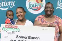 Mujer de Palmetto ganó $ 5 millones en raspadito de lotería