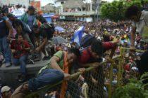 En México migrantes reanudan la marcha hacia EEUU