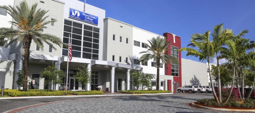 Programa del Miami Dade College prepara a jóvenes discapacitados para incorporarse al mercado laboral